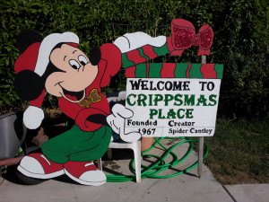 2013-09-22_mickey_crippsmas_sign